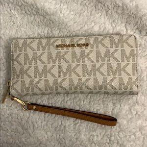 AUTHENTIC 💯 MK Wristlet